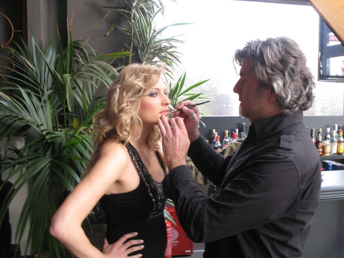 Make up Sakis Isaakidis